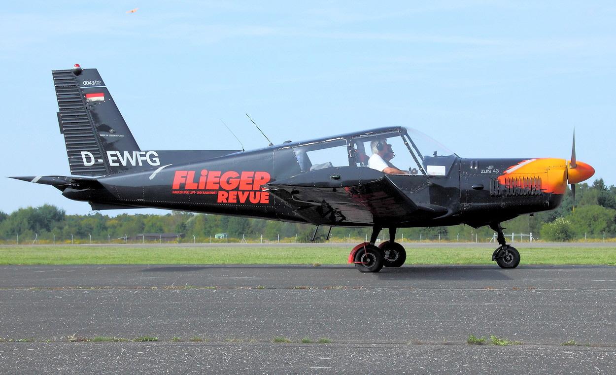 Zlin 43 - Airshow-Team
